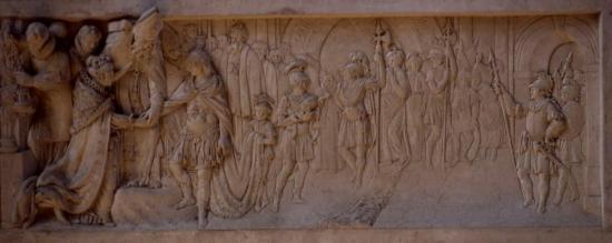 bas-relief-mariage-saint-louis-jpe-coll-musees-de-sens.jpg