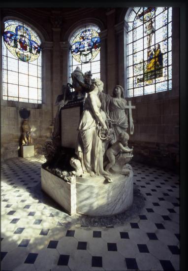curio-mausolee-du-dauphin-cl-j-p-elie.jpg