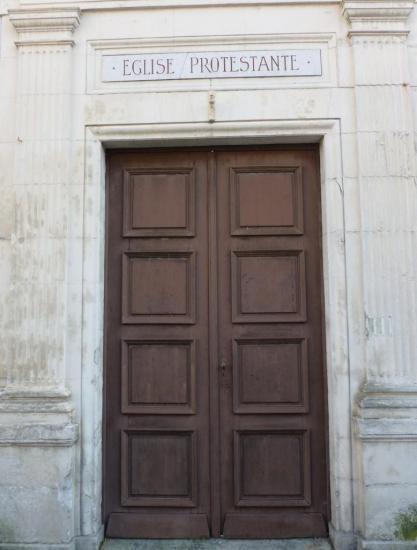 l-entree-du-temple-rue-pasteur.jpg