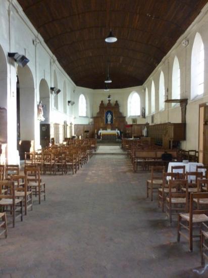la-nef-de-l-eglise-saint-didier.jpg