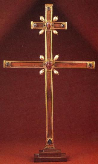 m-a-reliquaire-croix-de-charlemagne-coll-tiziou-pour-ser.jpg